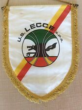 GAGLIARDETTO UFFICIALE CALCIO U.S. LECCE S.P.A. A SCUDO