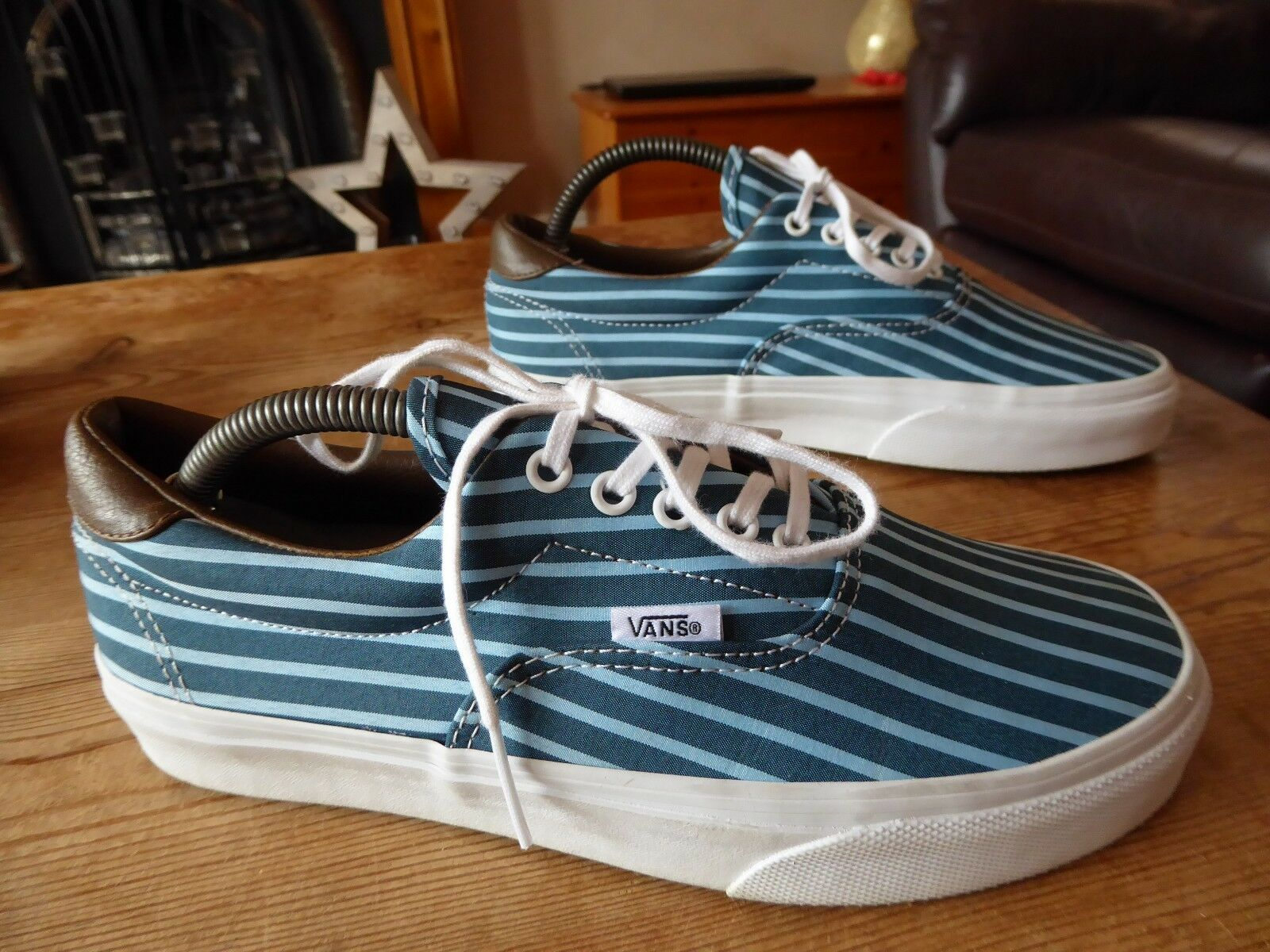Mens womens VANS trainers - size uk 6 great condition