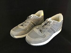 Zara Kids Collection Boys Lace Up Sneaker Tennis Shoes Gray USA Size 8 EUR  25 c34aeec9939