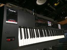 Roland FA-08 88-key Keyboard Workstation weighted keys , MINT , USB  //ARMENS.