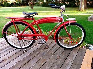 Vintage Antique 1939 Elgin long tank curved bar balloon bicycle. Beautiful.