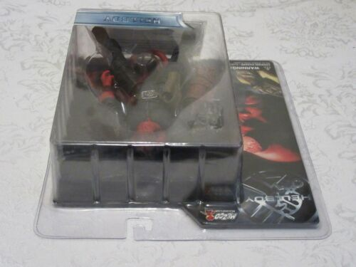 Mezco Hellboy Closed Mouth With Black Shirt No Jacket Action Figure