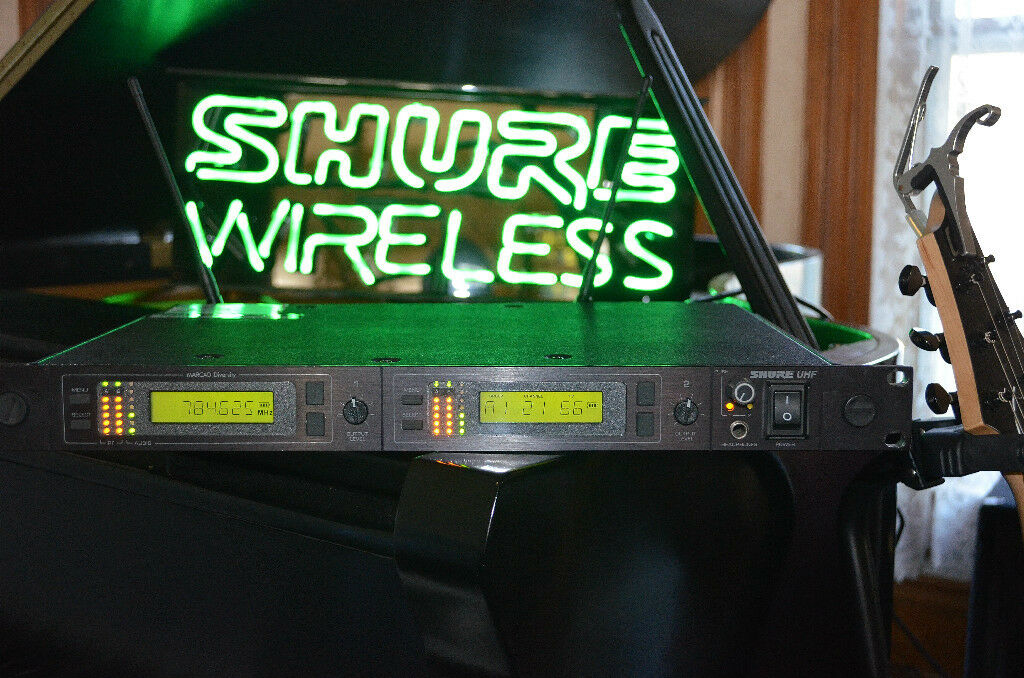 Shure U4D UHF Dual Wireless Receiver MA Excellent Condition