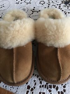 fadfed5c7b5 Details about UGG COZY SLIPPER KIDS 12 CHESTNUT SUEDE LEATHER SLIP ON  SLIPPERS SHOES S/N 5236