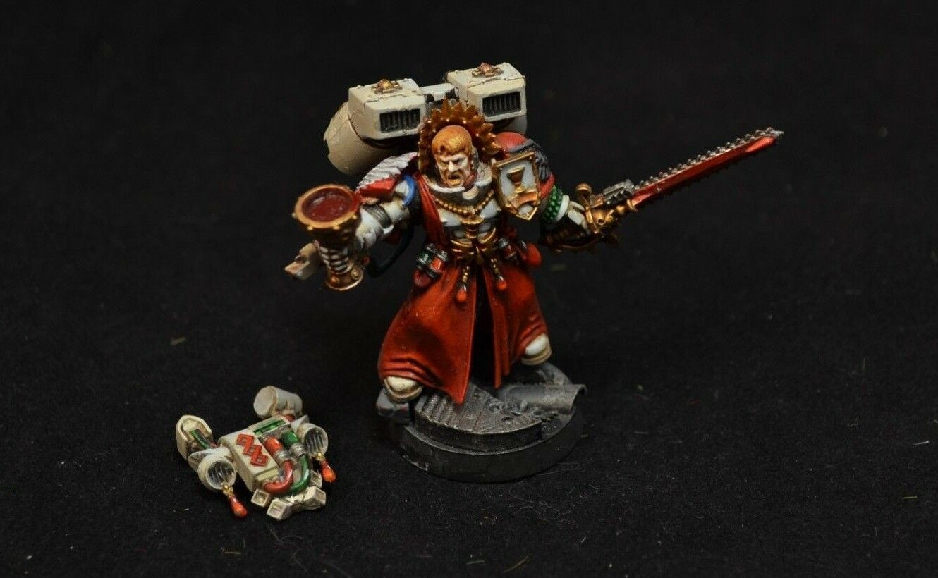 Warhammer 40000 Blood angels Sanguinary priest painted