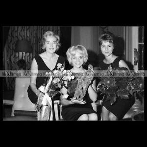 phs-005444-Photo-ELLEN-CRAAMER-VERA-LYNN-amp-CORNELIA-FROBOESS-CONNY-1962-Star