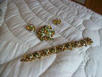 Kramer Bracelet, Earring's & Brooch Vintage Stunning Colorful Pronged Set