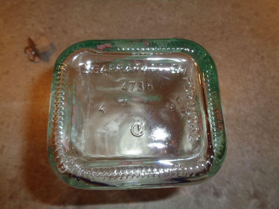 Glas, karaffel, med kristtjørn