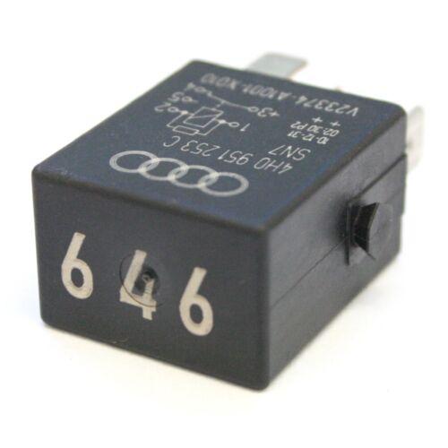 Relé de bomba de combustible VW número PIN 5 646 4H0951253C