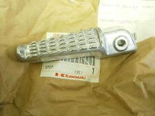 Kawasaki ZR1200 ZR 1200 2001 01 Rear Right Hand Foot Rest Peg