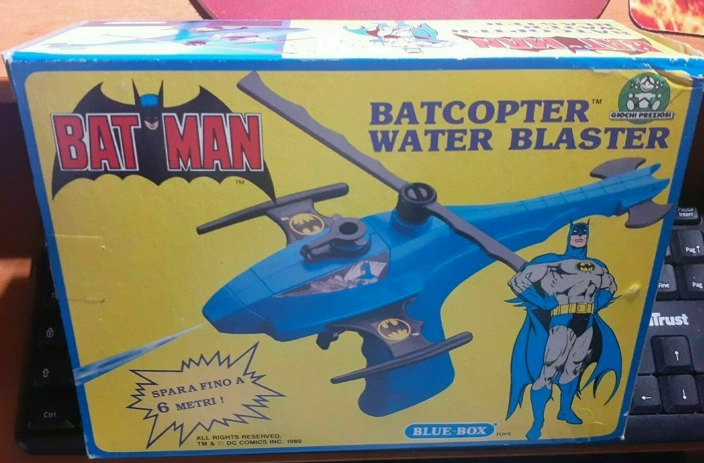 BATMAN BATMOBLE BAT HELICOPTER //with clear  display  box