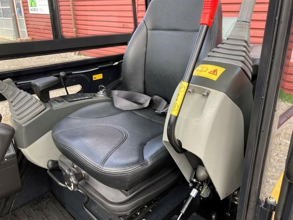 Minigraver, - - - Eurotrac HE18-1