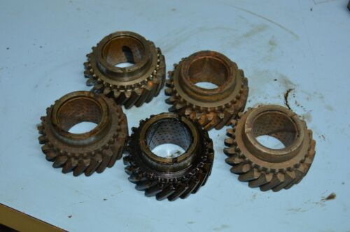 t90 t90a Transmission 2nd gear output shaft Willys Scout Jeep