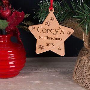 Personalizzata-in-LEGNO-Babys-primo-Albero-di-Natale-decorazione-stella-Bauble-Regalo
