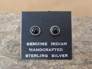 Native-American-Sterling-Silver-Onyx-Dot-Post-Baby-Earrings-Navajo-Indian