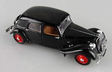Universal Hobbies 1/43e: Citroën Traction 15 berline malle plate sans boite