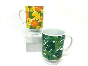 Vintage-70-039-s-Flower-Power-Footed-Pedestal-Coffee-Mugs-Blue-amp-Orange-Cups