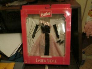 1997-BARBIE-FASHION-AVENUE-034-DELUXE-034-NEW-IN-PACKAGE