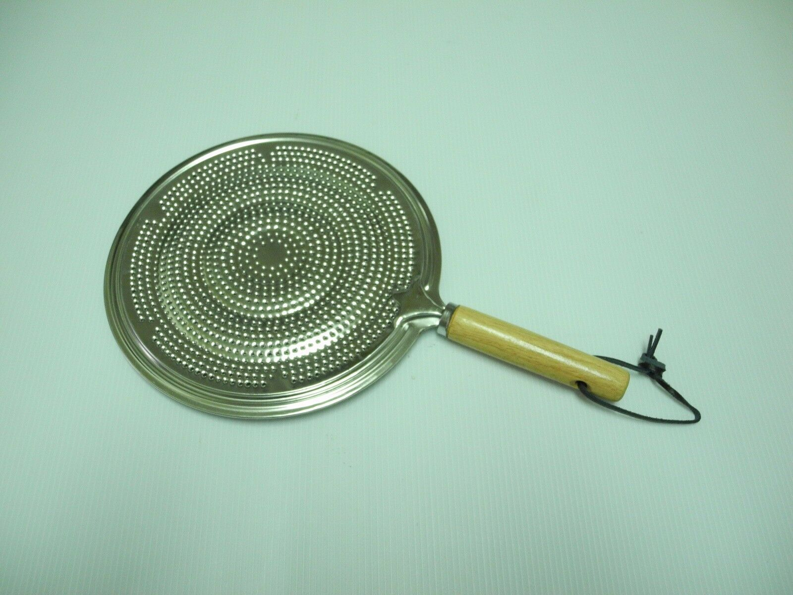 New Kitchen Craft 21Cm Simmer Ring With Wooden Handle