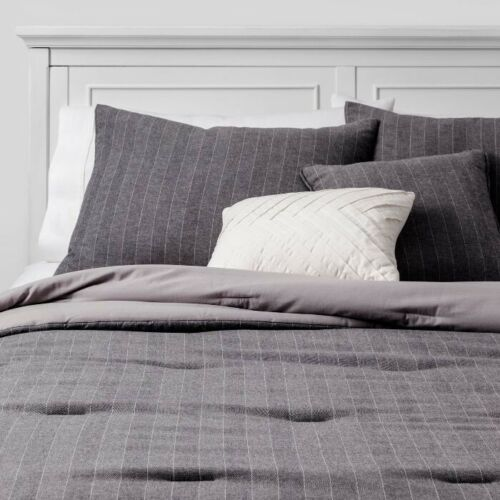 HALLMART COLLECTIBLES 5pc Flannel Pencil Stripe Comforter Set