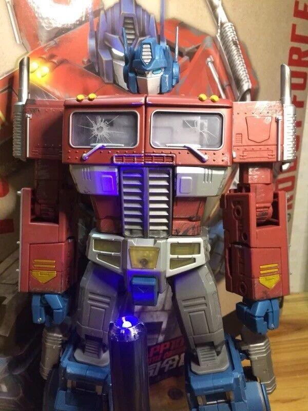 Transformers Wei Jiang Oversized G1 Optimus Prime Figure - damaged effect Mpp10z