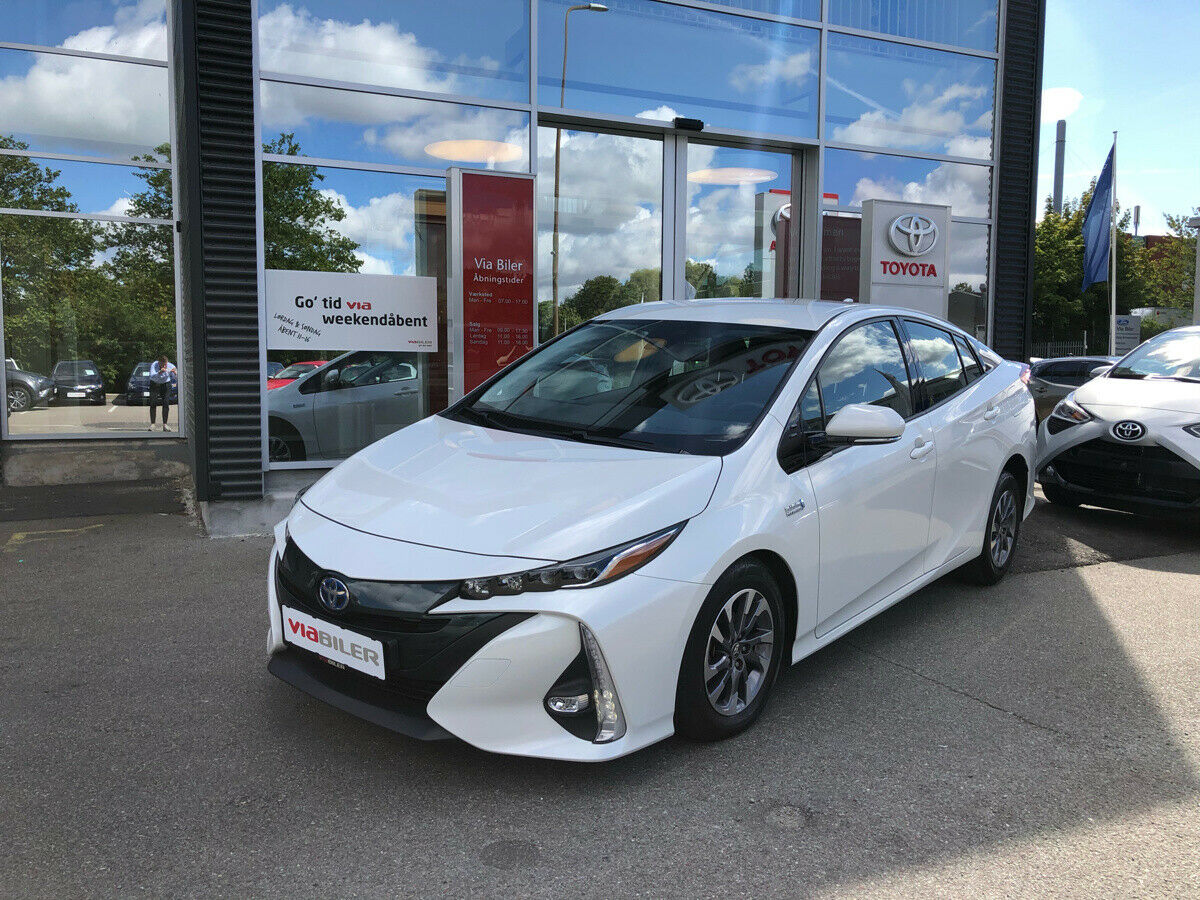 Toyota Prius 1,8 Plug-in Hybrid H3 MDS 5d