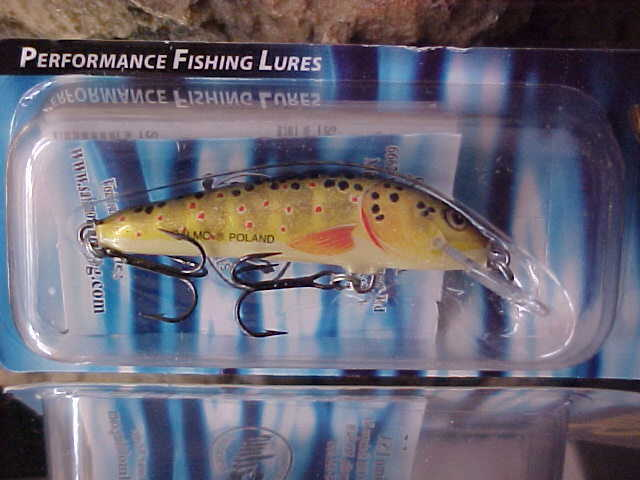 SALMO Floating Minnows in 3 Different Sizes - Bass Crappie Perch