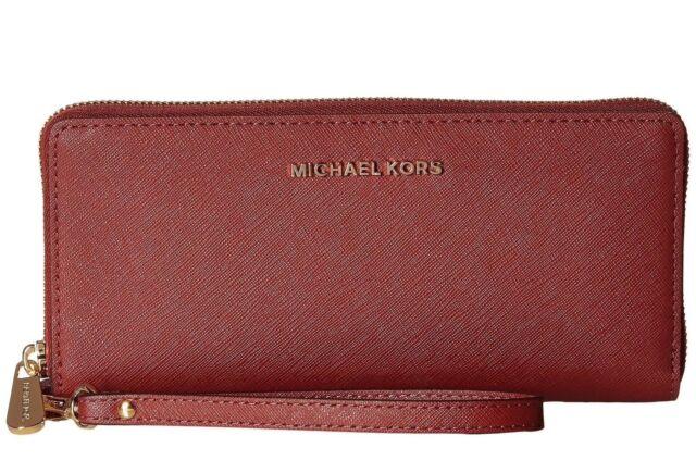 3e5784045aa4 Michael Kors Jet Set Travel Logo CONTINENTAL Wallet Popular 32t5stte9b Black