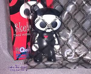 2010-SKELANIMALS-QEE-artist-series-CHUNGKEE-original-figure-urban-vinyl