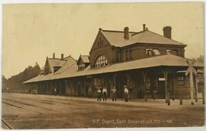 Postcard-East-Bakersfield-CA-Train-Depot-SP-Station-Southern-Pacific-Railroad