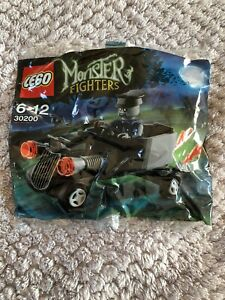 LEGO-Monster-Fighters-Zombie-chauffeur-coffin-car-30200