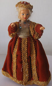 Doll dressed as the Queen of England. 1970. Free shipping.