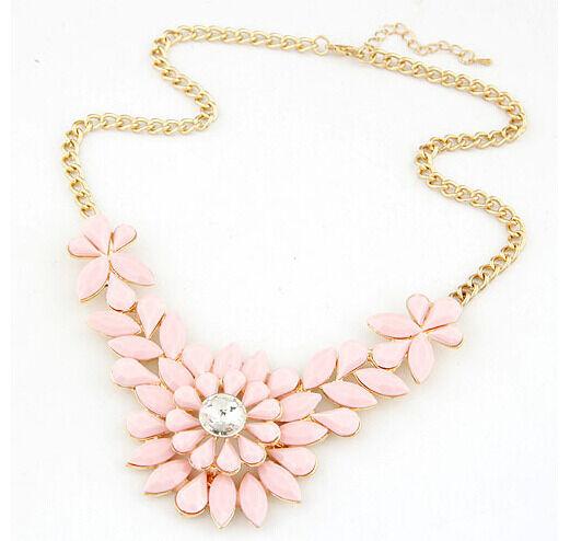 Occident Fashion Luxury Gorgeous Flower Pink Resin Statement Choker Bib Necklace