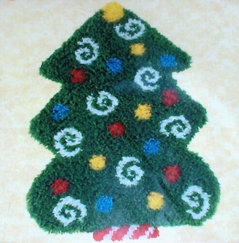 """Christmas Tree w Ornaments"" Latch Hook Kit NIP 20x26"""