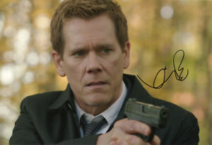 Kevin-Bacon-American-actor-The-Following-signed-12x8-inch-photo-COA-Proof