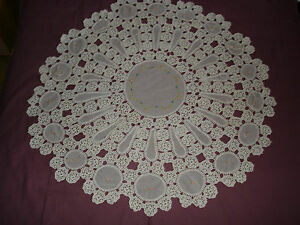 407-Beautiful-Vintage-Handmade-Tablecloth-115cm-45-039-039