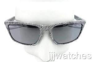 a6da817abb0 Image is loading New-Oakley-Sliver-Fingerprint-Sunglasses-Black-Iridium -Lens-