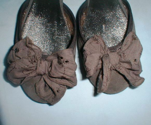 ROBERT REDFORD'S SUNDANCE SUEDE SLIDE SHOE W BOW ACCENT 7 SIZE 37 = SIZE 7 ACCENT M ca6028