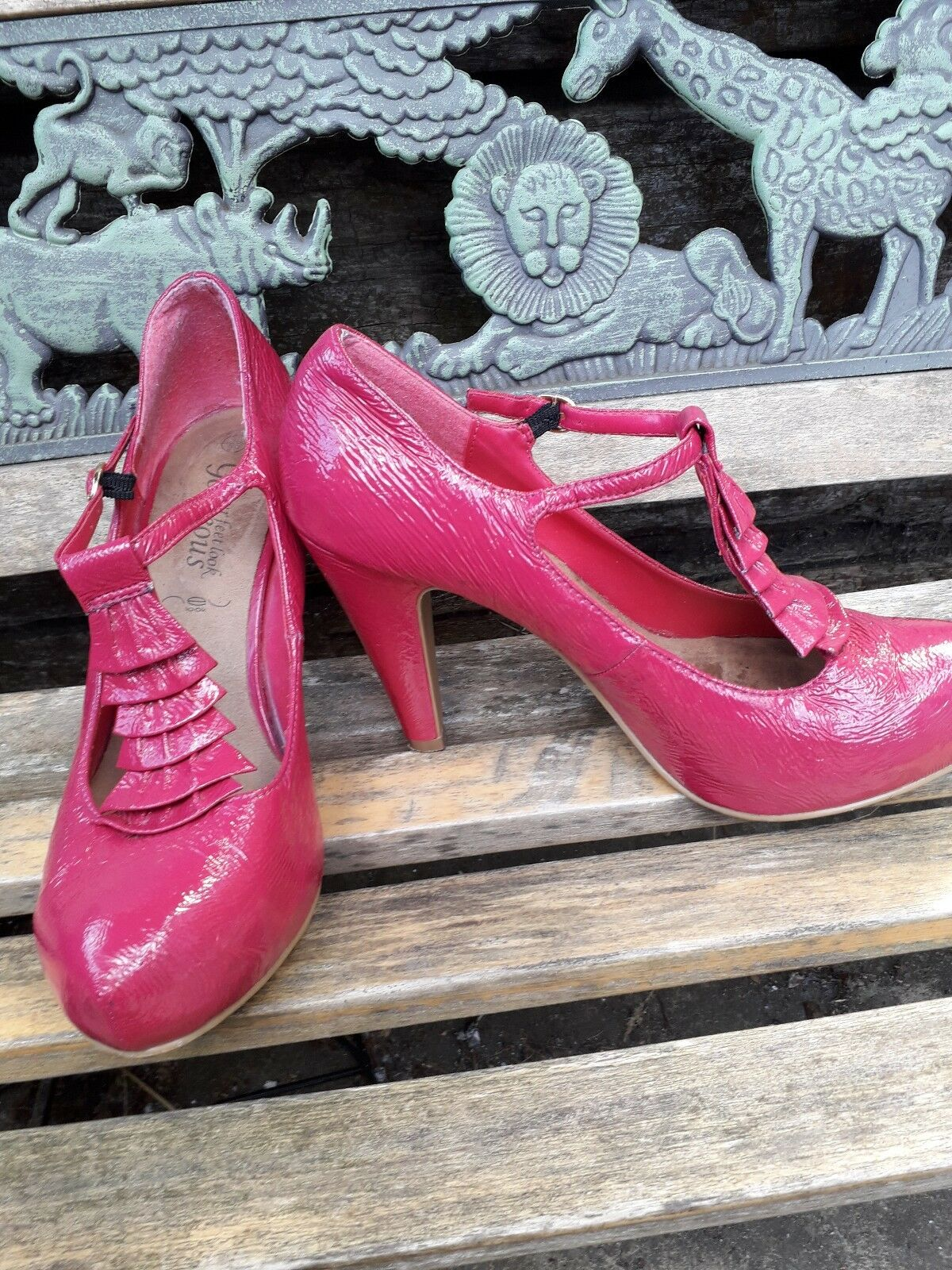 Ladies gorgeous ruffle pink look shoes size 6 New look pink b56e2c