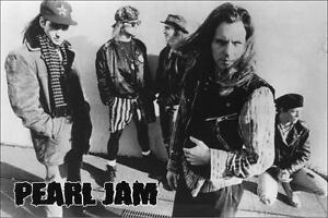 Pearl-Jam-Group-Photo-Poster-on-the-Street-24-034-x-36-034-Eddie-Vedder