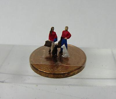 (th08) Coppia Per Partire In Viaggio Con 2 Cani Traccia Scale Gauge Z (1:220)-mostra Il Titolo Originale Avere Uno Stile Nazionale Unico