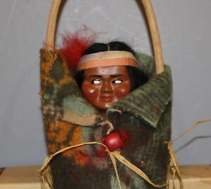 SKOOKUM-BULLY-GOOD-INDIAN-DOLL-WITH-GREEN-BLANKET-IN-BOX