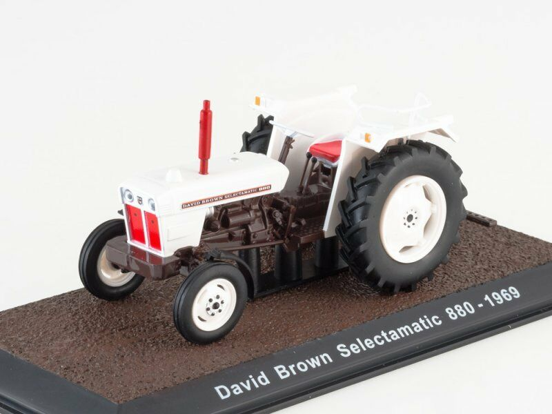 skala modellllerl 1 32 David brun Selectamatic 880, 1969
