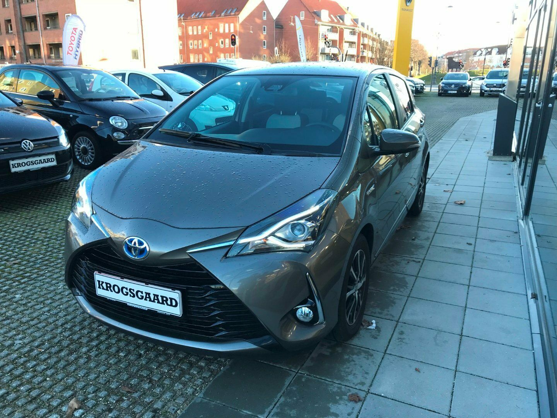 Toyota Yaris 1,5 Hybrid H3 Smart e-CVT 5d - 189.900 kr.