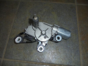 VW-Touran-Wischermotor-hinten-original-Bosch-0390201598-08-03-05-10