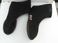 Adult Women's Black IST Wet Suit Shoes Pull On Nice! Made In Taiwan 31464