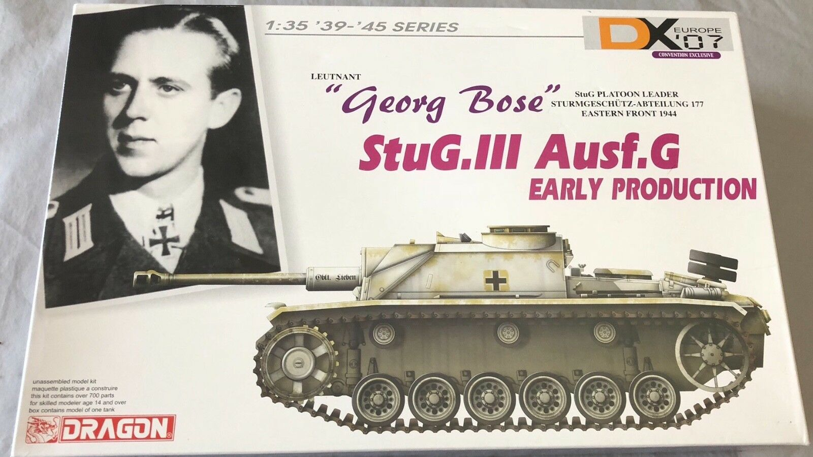 drake Stug.III AuSF.G Early Production Georg Bose 1  35 Förseglad Inside Bonus Pkonst