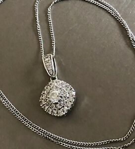 Ernest-Jones-9ct-White-Gold-Diamond-Necklace-0-50ct-Square-Halo-Cluster-Pendant