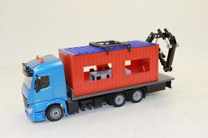 SIKU-3556-MERCEDES-BENZ-AROCS-con-contenedor-Construccion-Camion-1-50-NUEVO