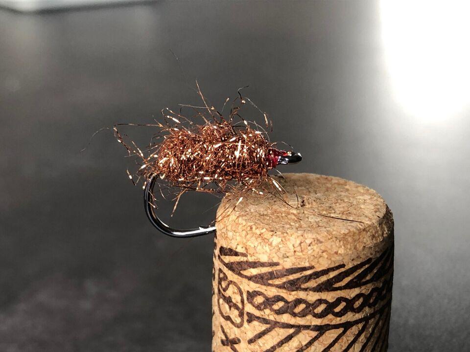 Fluer, Kobberbassen og andre fluer